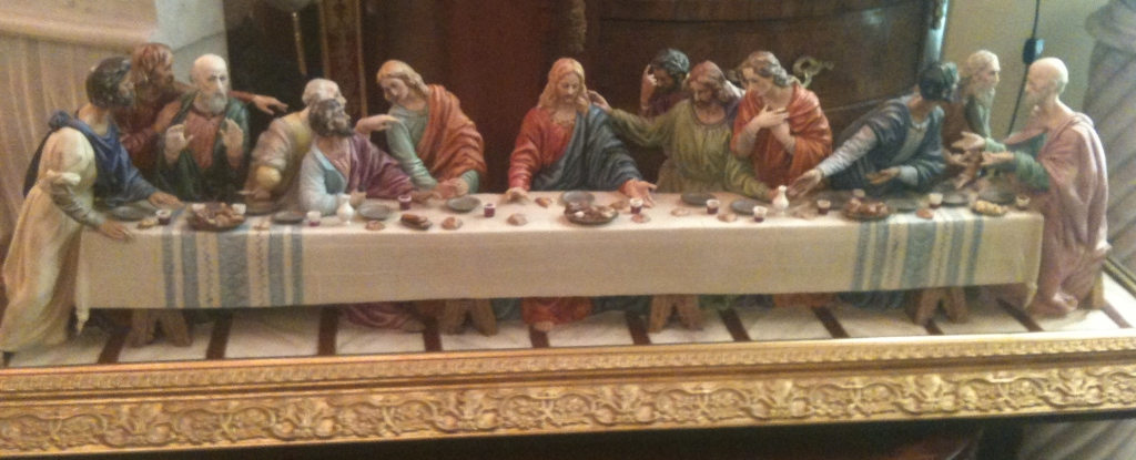 "ceramic replica of ""The Last Supper"" by Leonardo da Vinci; seen in an art store in Las Vegas Nevada; creator unidentified"