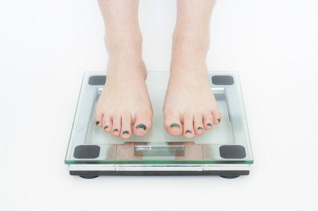 Do structured weight loss programs help people lose weight?