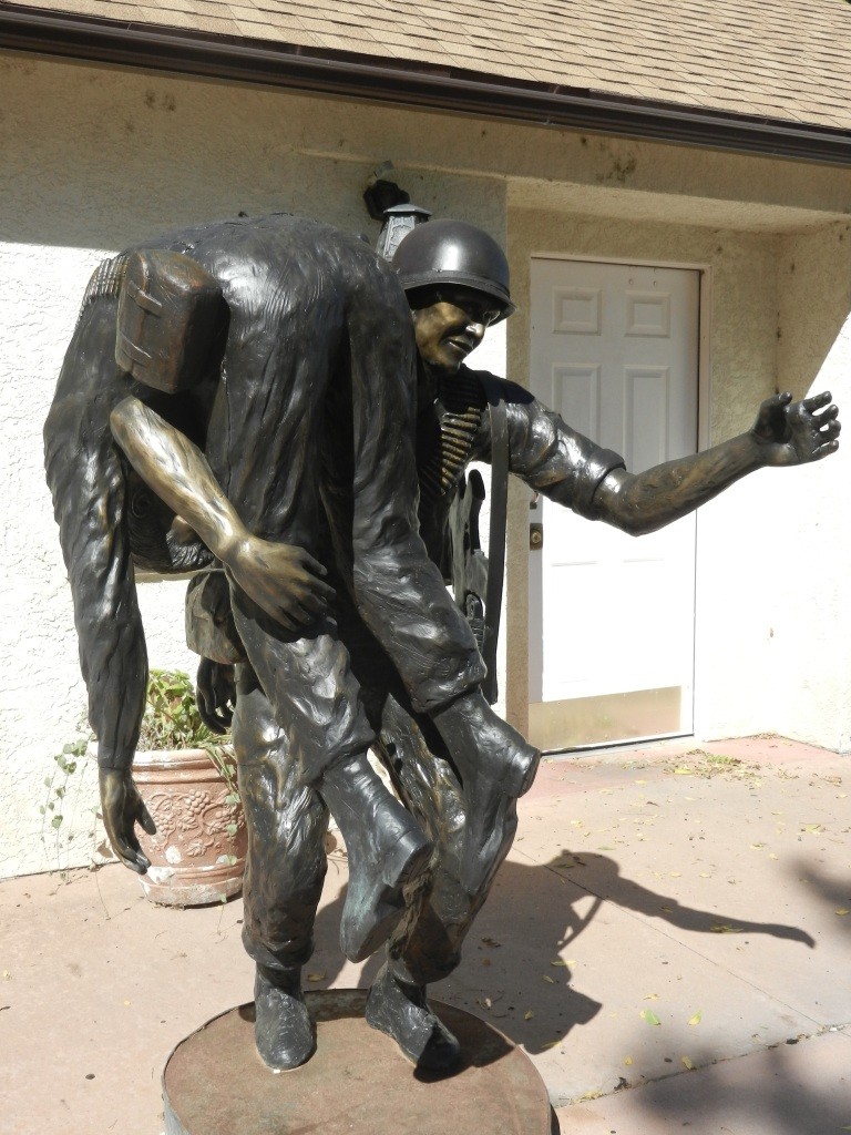 two soldiers statue