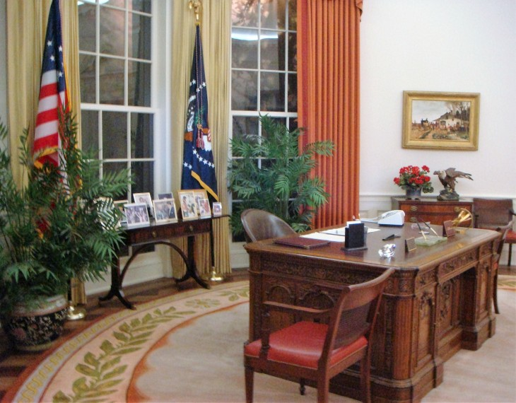 Oval Office replica