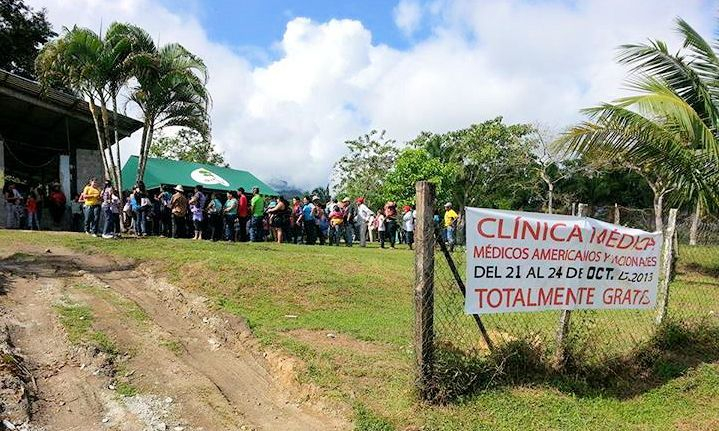 people at a free clinic