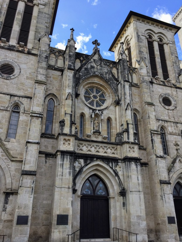 a large ornate church, San Fernando cathedral